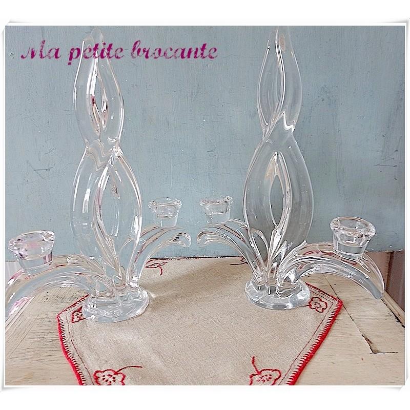 Paire de bougeoirs en cristal de Vannes