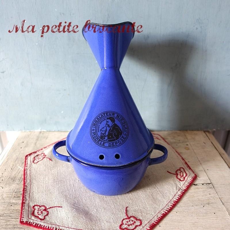Inhalateur ancien bleu émaillé