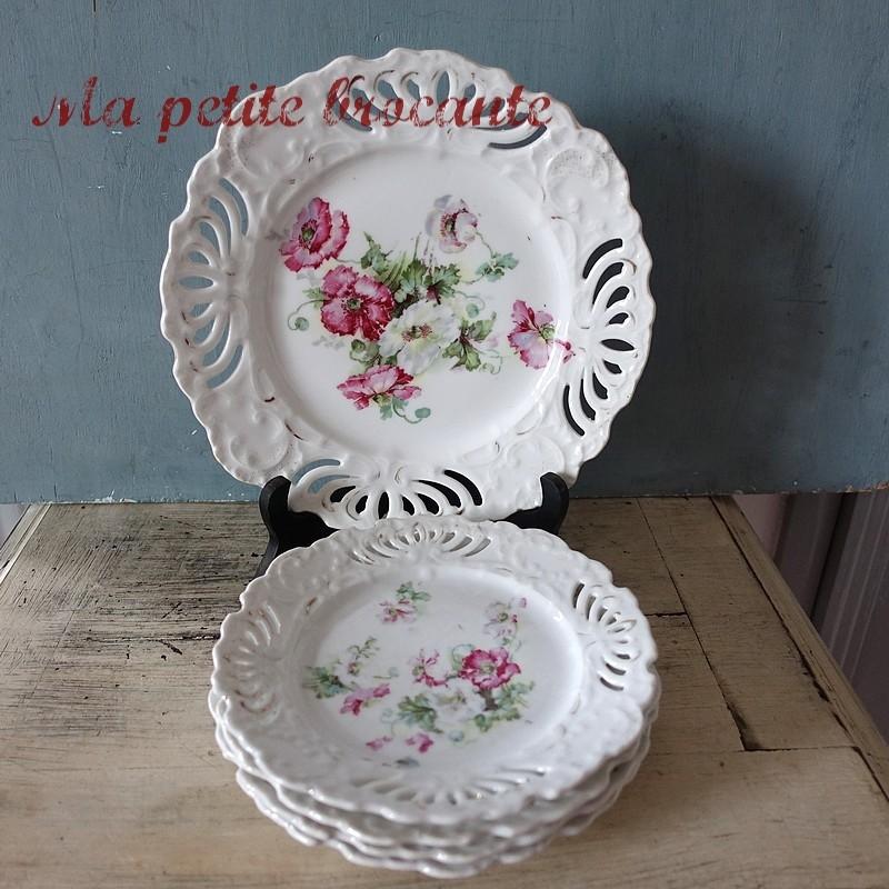 Service à dessert en porcelaine ajourée